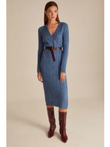 Uzun Kollu Mavi Elbise