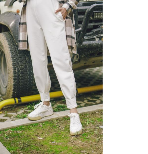 melike-tatar-beyaz-pantolon