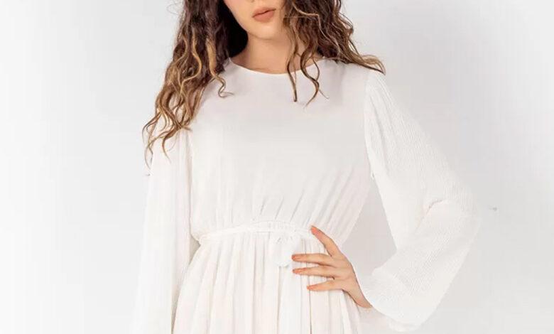 Düz beyaz elbise